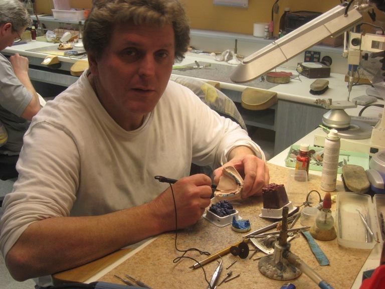 Dobos György, fémvázkészítés és kombinált munkák