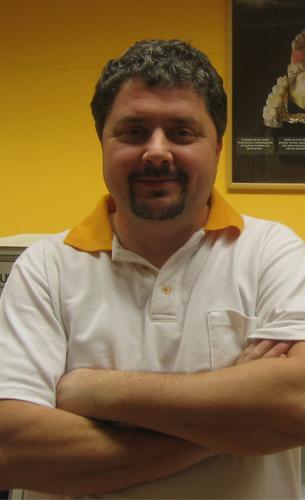 Pittner György fogtechnikus mester, laborvezető